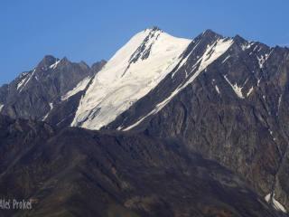 Tebulosmta 4493 m, nejvyšší hora Východního Kavkazu a nejvyšší hora Čečenska.