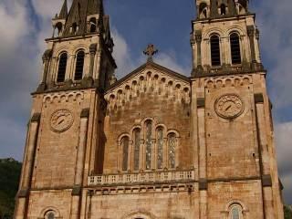 Kostel Covadonga, Asturie