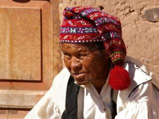 Titicaca, ostrov Isla de Taquile, město Huillanopampa