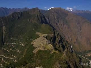 Pohled na Machu Picchu z vrcholu Huyana Picchu (Wayna Picchu)