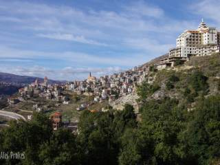 Město Bšarré v údolí Kadíša