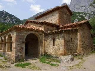 Kostel Santa María de Lebeña