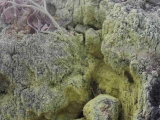 Sopečné průduchy v lokalitě Kawah Putih, Západní Jáva, Indonésie