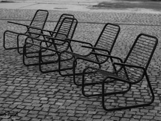 Dolní Vítkovice, sedačky u infocentra