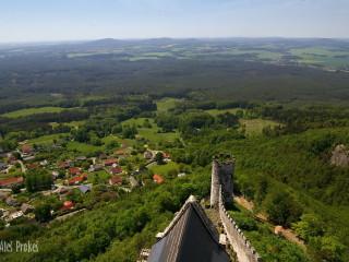 Pohled z hradu Bezdìz