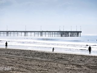 Molo na pláži ve Venice